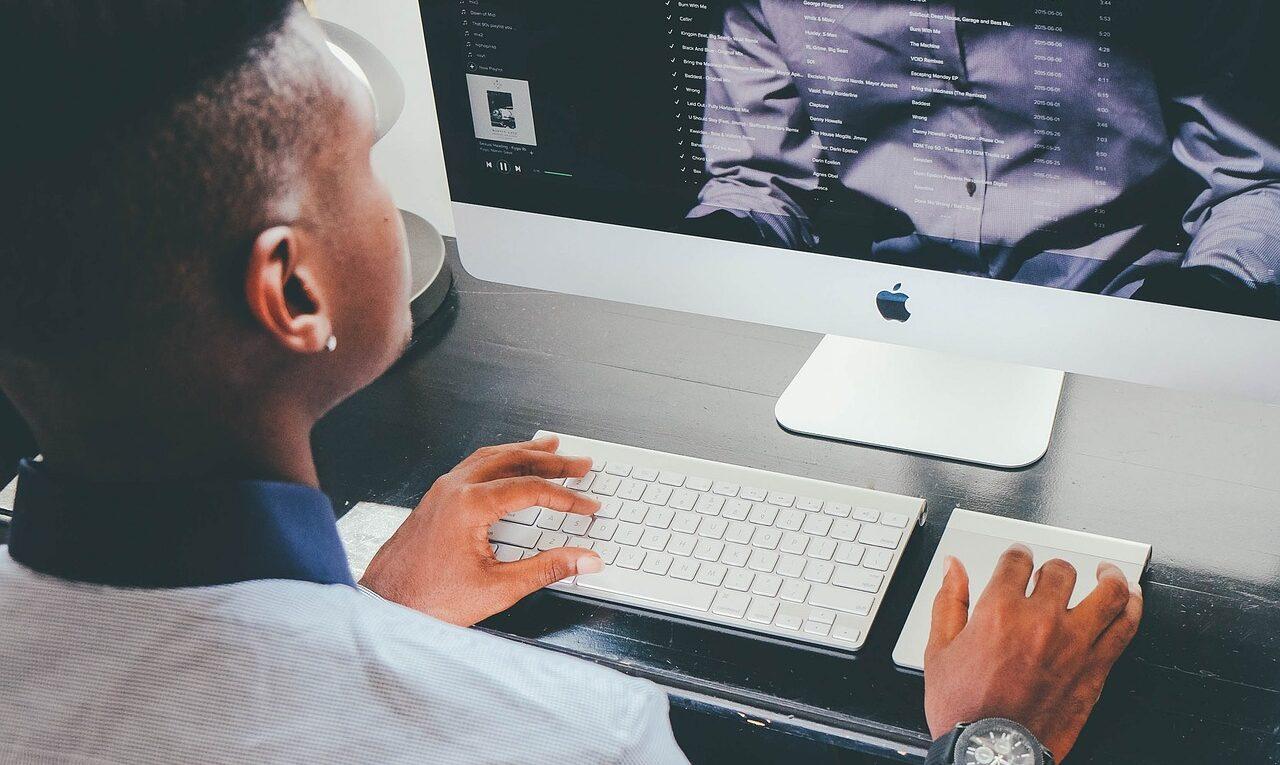 Maintenance informatique : faire appel à une entreprise spécialisée